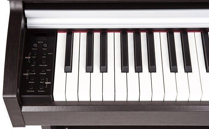 PIANO M210 MITAD DE LAS TECLAS